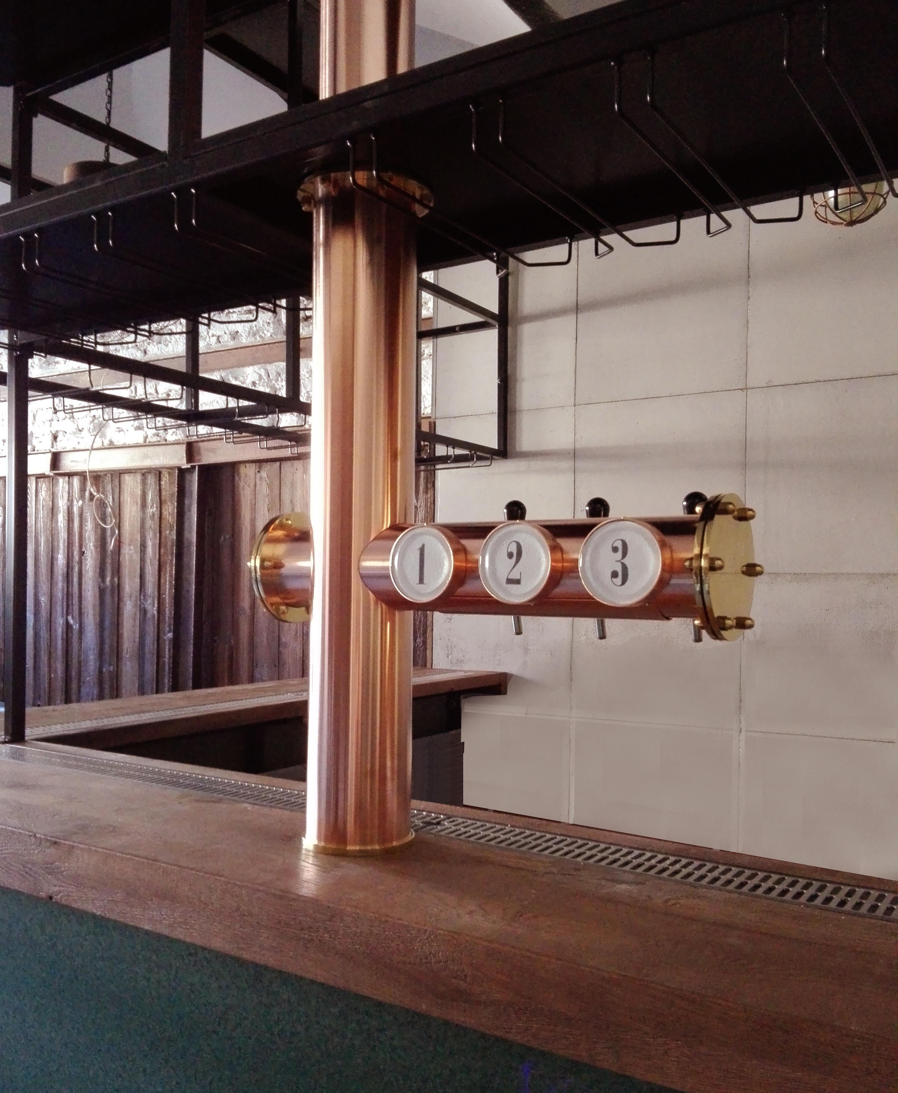 kolumna do piwa miedziana, pyton z góry (2)