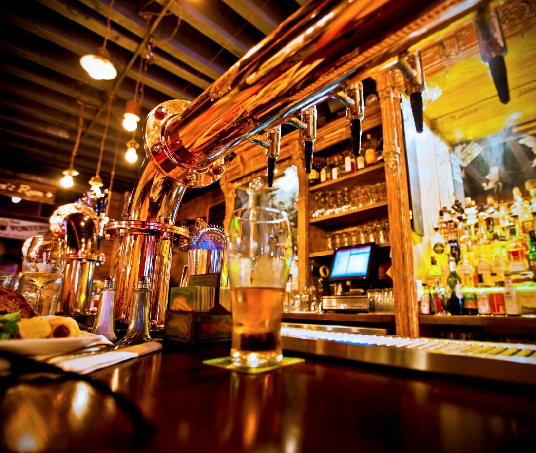 Miedziana kolumna do piwa